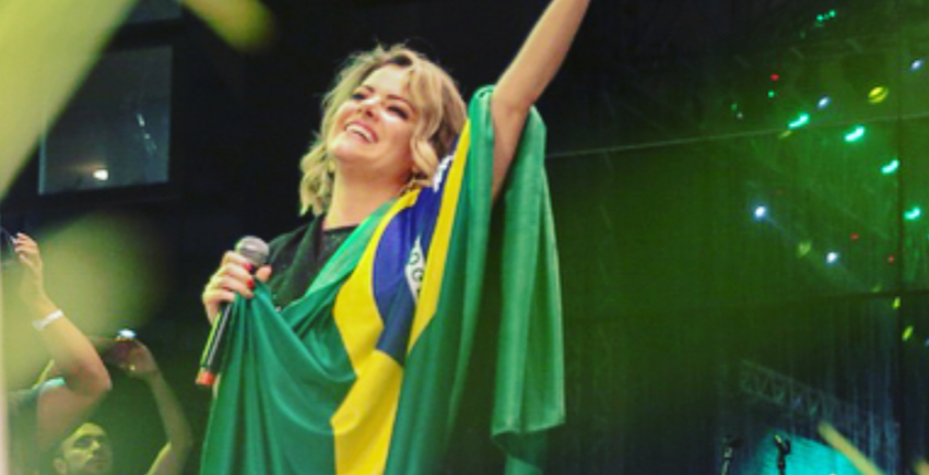 Ana-Paula-Valadão-Bolsonaro-e1538162190957