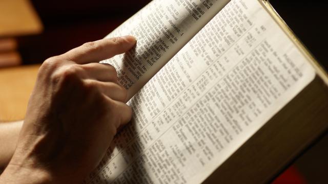 Biblia-Abrir-Aleatoriamente-livro-magico